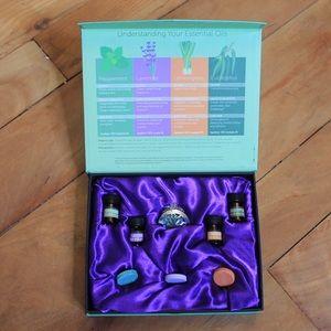 🎀3/$30 NIB Essential Oil & Necklace Pendant Kit